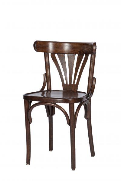 De stoel Kees noten is gemaakt van beukenhout.